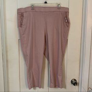 Plus size woman 22 blush pink capris